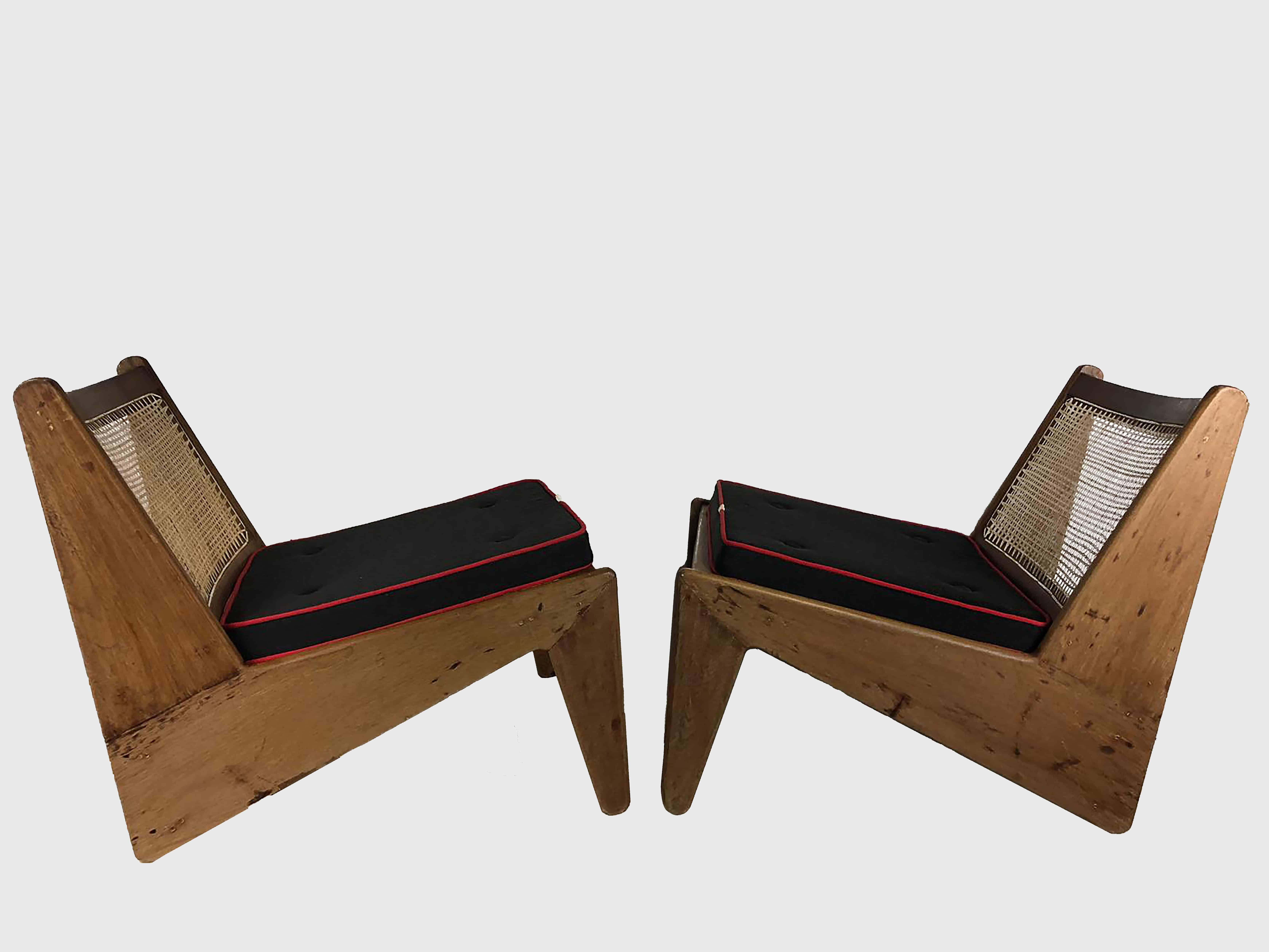 kanagroo chairs